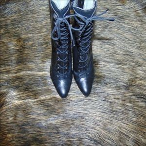 BCBGMAXAZRIA AWESOME BOOTS!